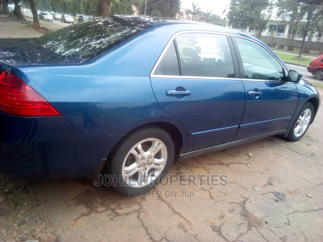 Archive: Honda Accord 2005 Sedan EX Automatic Blue