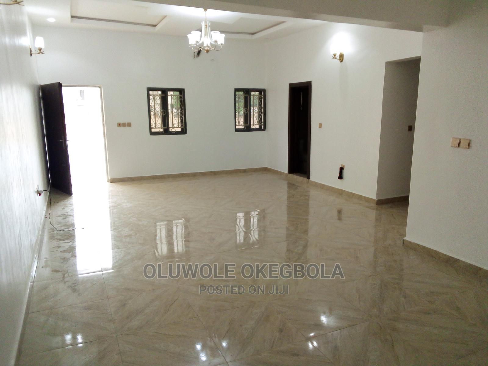 Archive: 2bdrm Bungalow in Asokoro for Rent