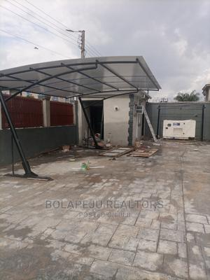 Furnished 2bdrm Block of Flats in Magboro, Obafemi-Owode for Rent | Houses & Apartments For Rent for sale in Ogun State, Obafemi-Owode