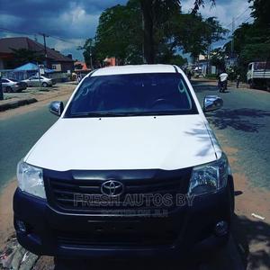 Toyota Hilux 2012 2.7 VVT-i 4X4 SRX White | Cars for sale in Lagos State, Magodo