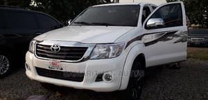 Toyota Hilux 2012 2.7 VVT-i 4X4 SRX White | Cars for sale in Abuja (FCT) State, Kubwa