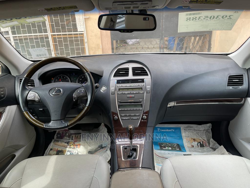 Lexus ES 2011 350 Silver | Cars for sale in Gbagada, Lagos State, Nigeria