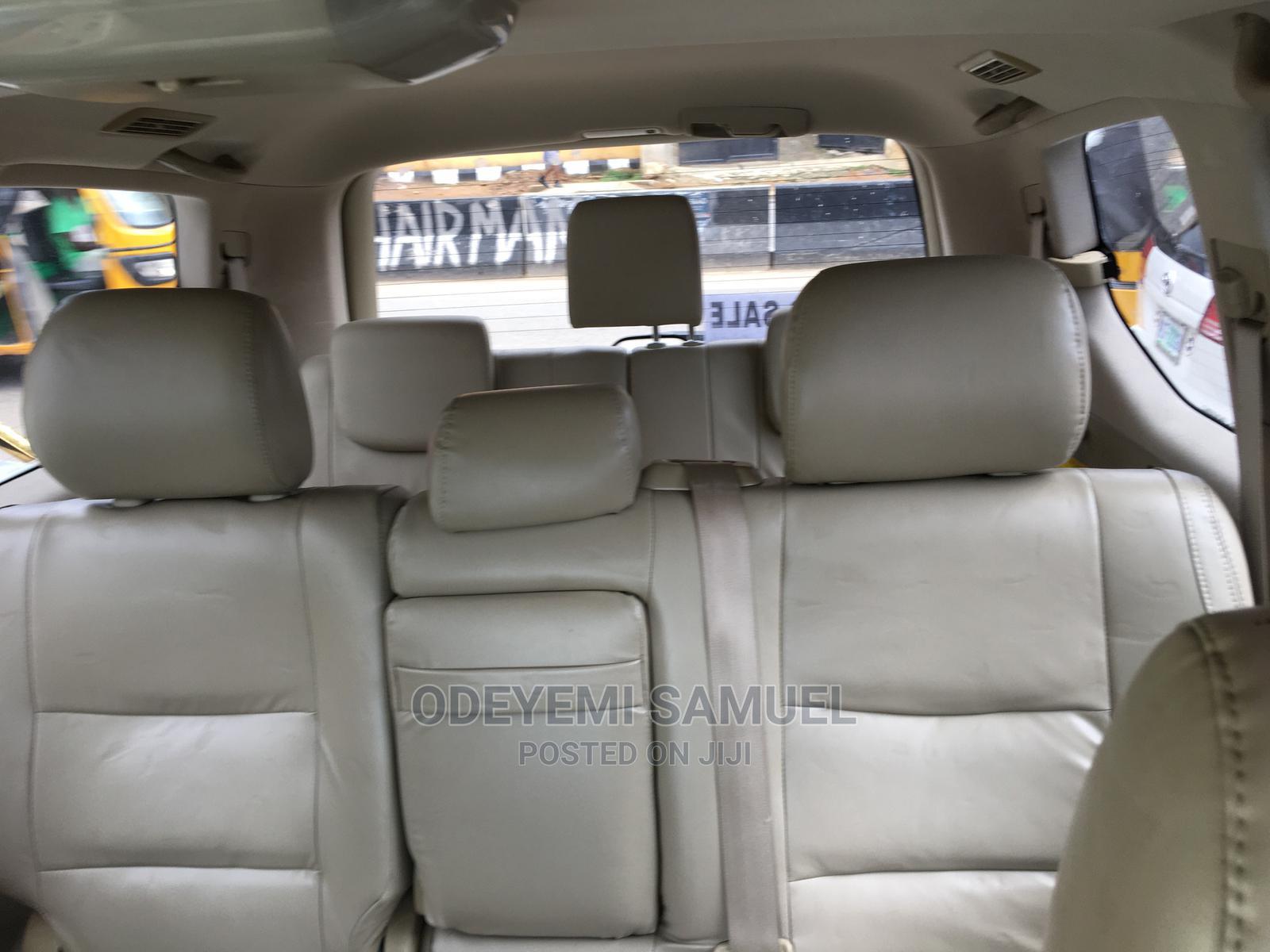 Archive: Lexus GX 2005 470 Sport Utility Gray