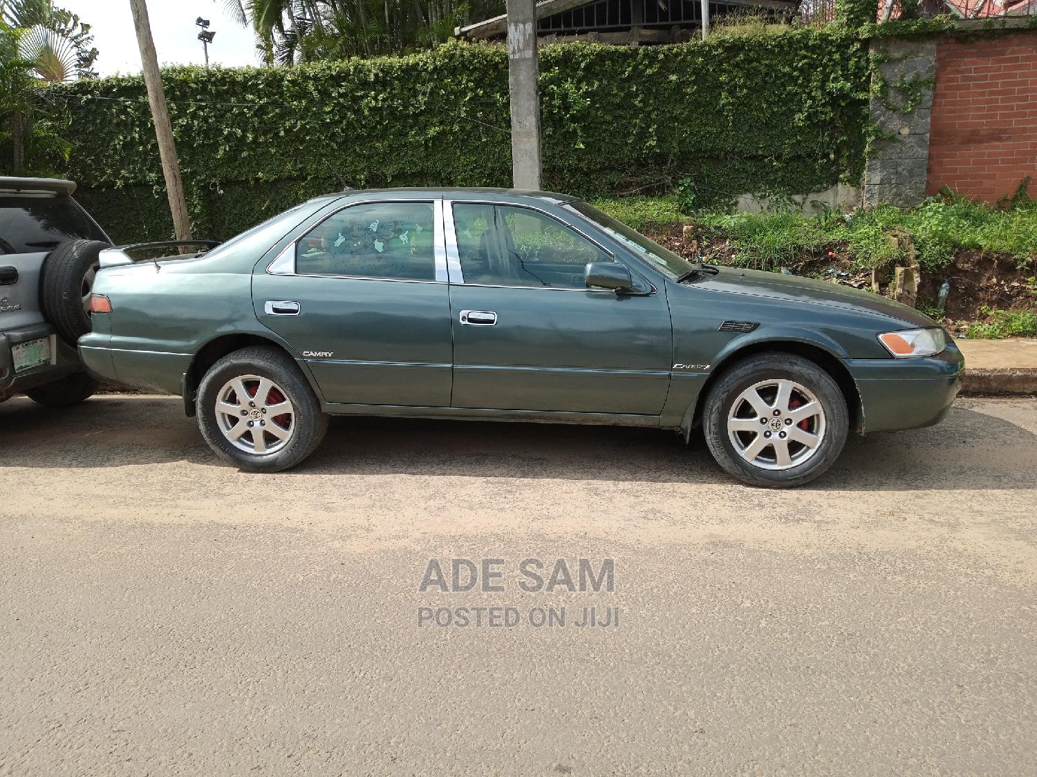 Archive: Toyota Camry 2000 Green
