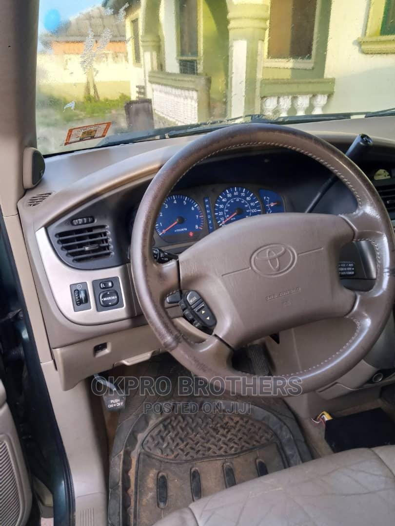 Archive: Toyota Sienna 2002 XLE Green