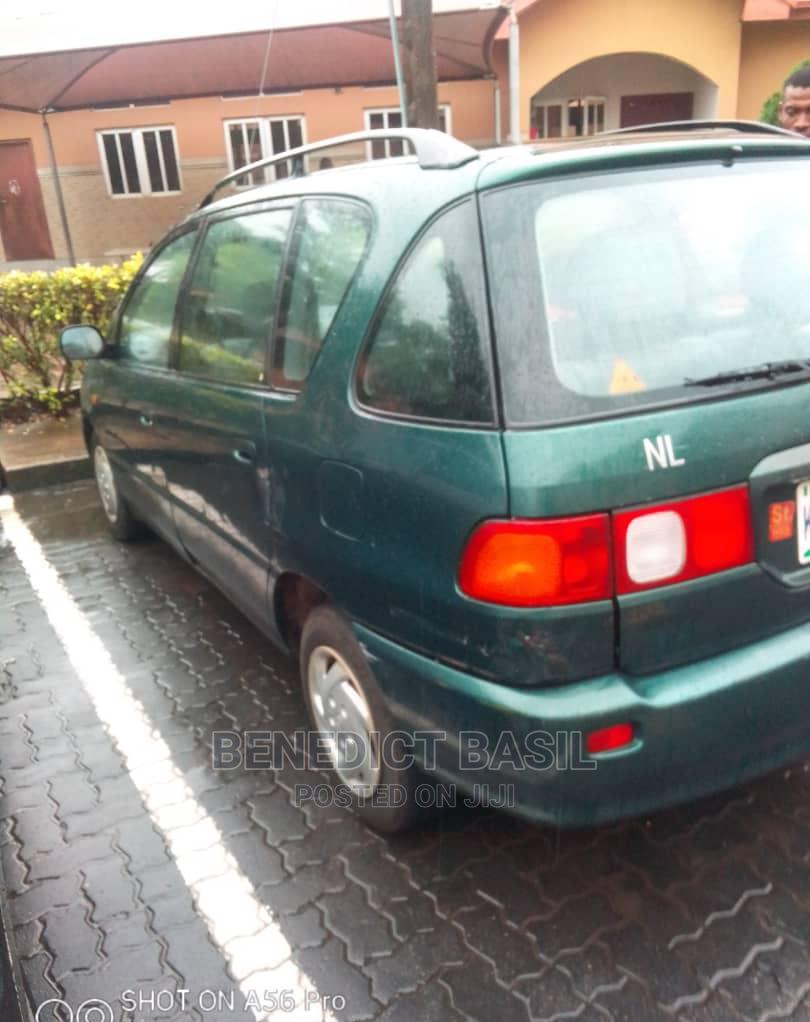 Archive: Toyota Picnic 2002 Green