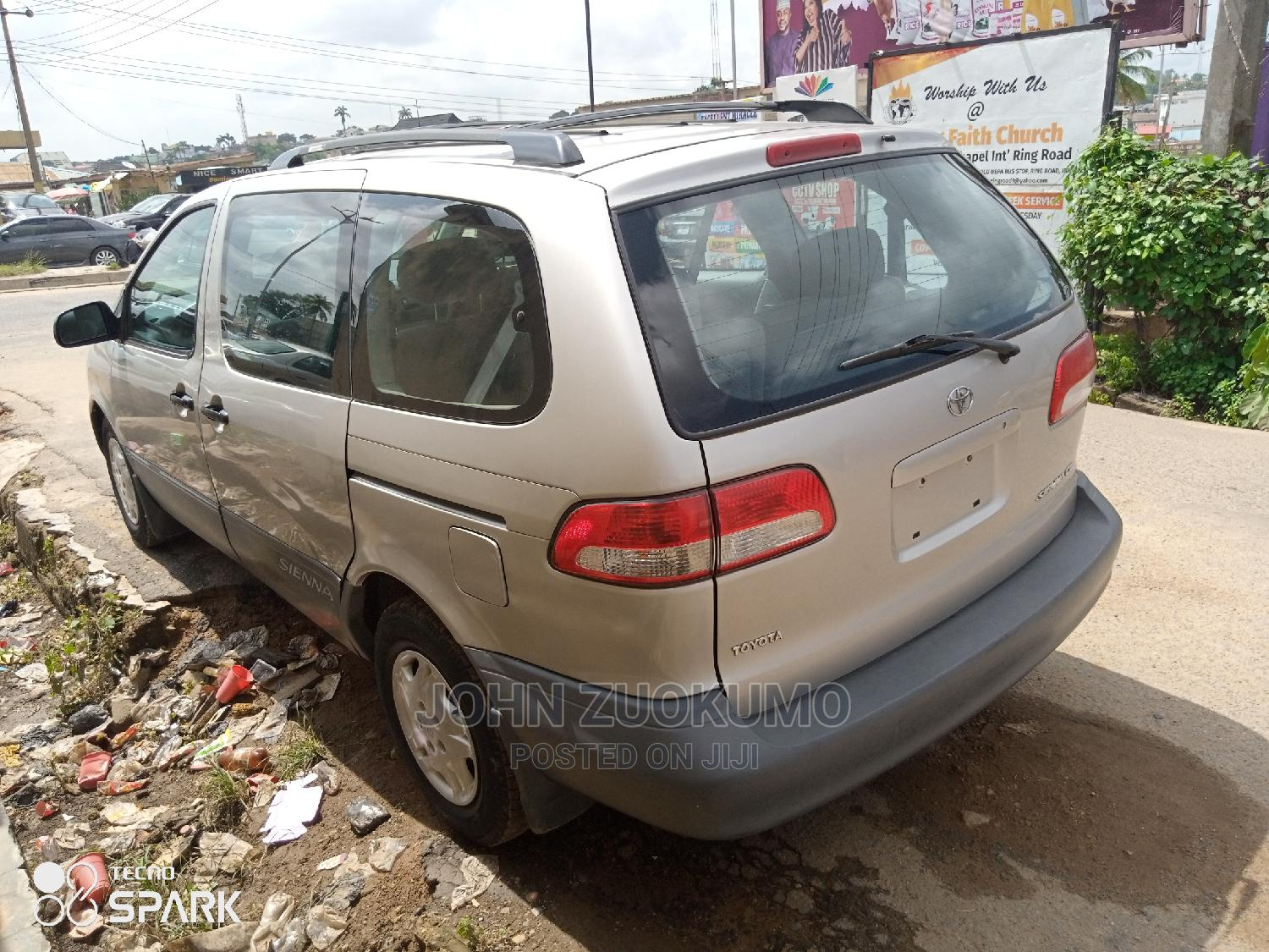 Toyota Sienna 2002 LE Gold | Cars for sale in Ibadan, Oyo State, Nigeria