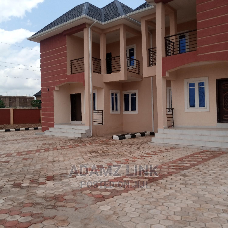 4bdrm Duplex in Enugu for Rent