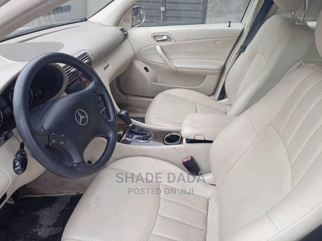 Mercedes-Benz C240 2005 Gold | Cars for sale in Shomolu, Lagos State, Nigeria