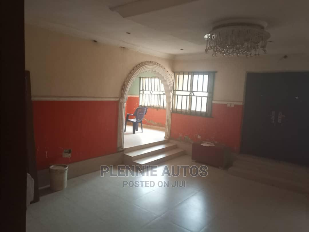 5bdrm Duplex in Alimosho for Sale