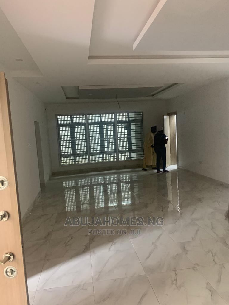 Archive: 3bdrm Block of Flats in Jahi for Sale