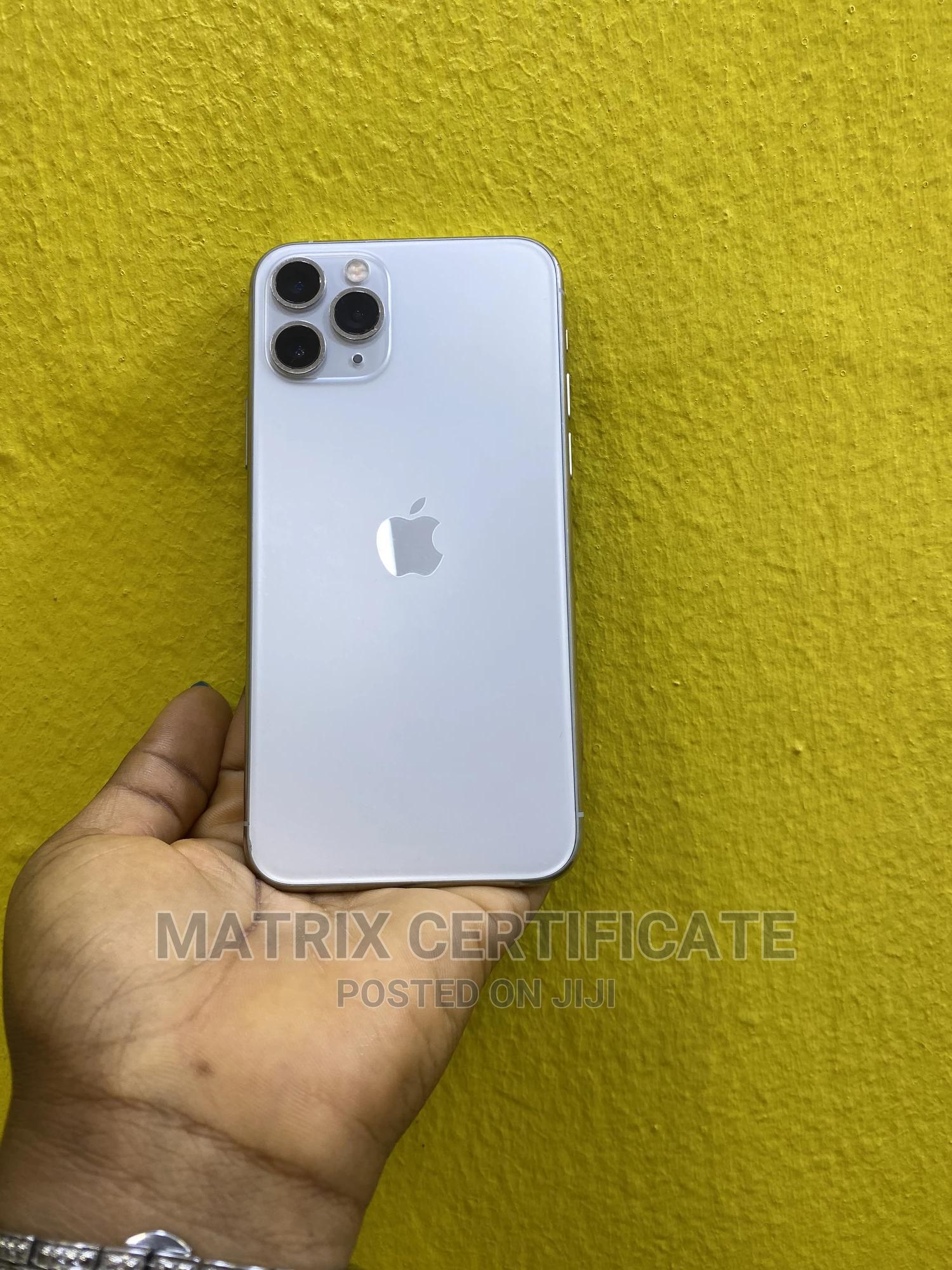 Archive: Apple iPhone 11 Pro 64 GB White