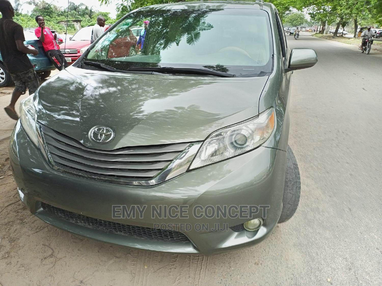 Toyota Sienna 2011 XLE 7 Passenger Green | Cars for sale in Amuwo-Odofin, Lagos State, Nigeria