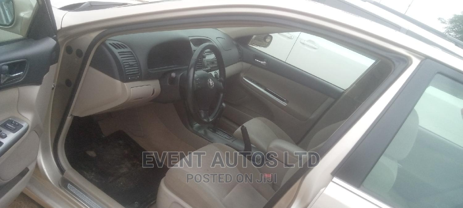 Archive: Toyota Camry 2005 Gold