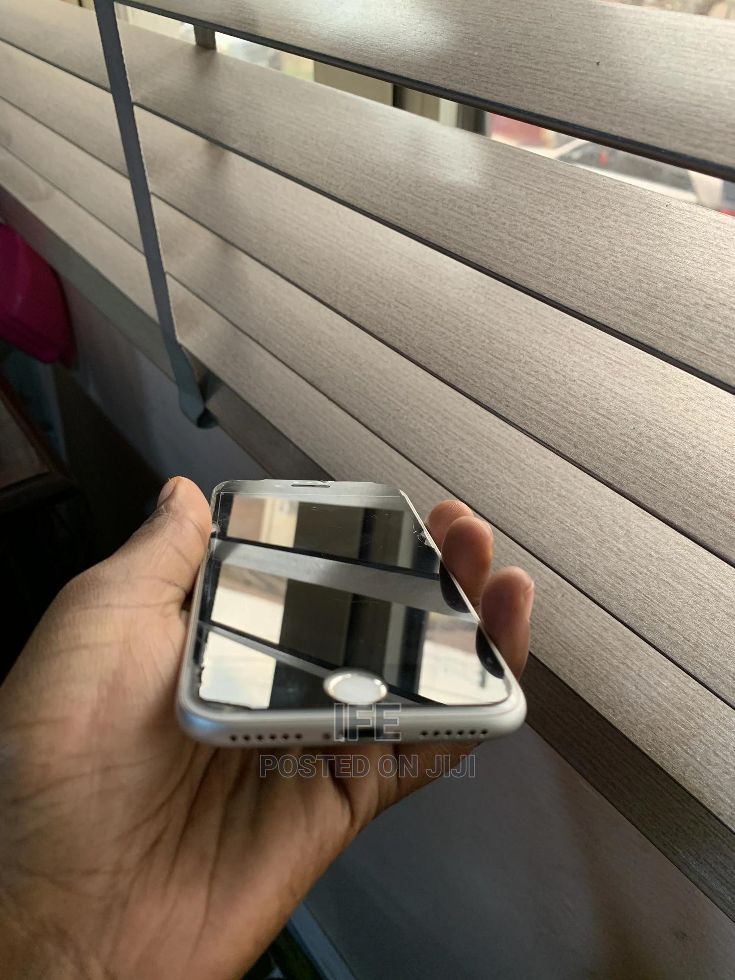 Apple iPhone 7 128 GB Silver   Mobile Phones for sale in Ikeja, Lagos State, Nigeria