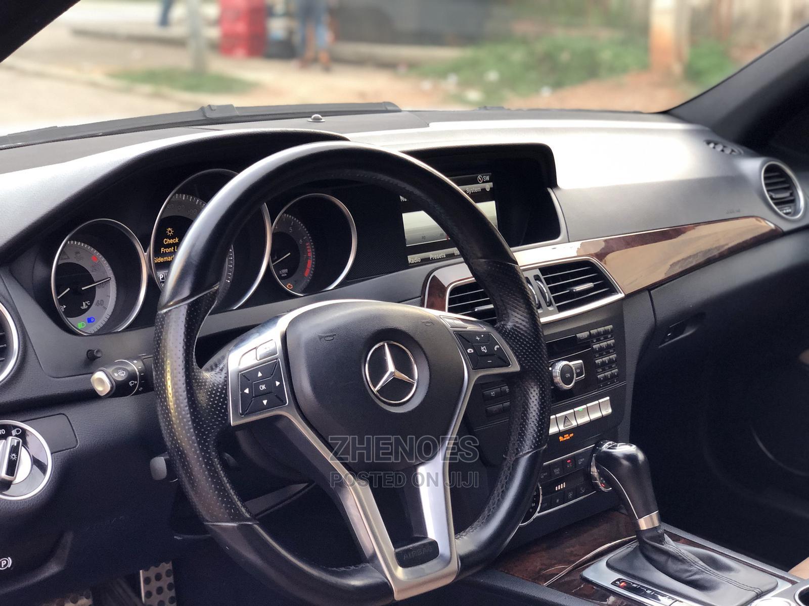 Archive: Mercedes-Benz C300 2013 White