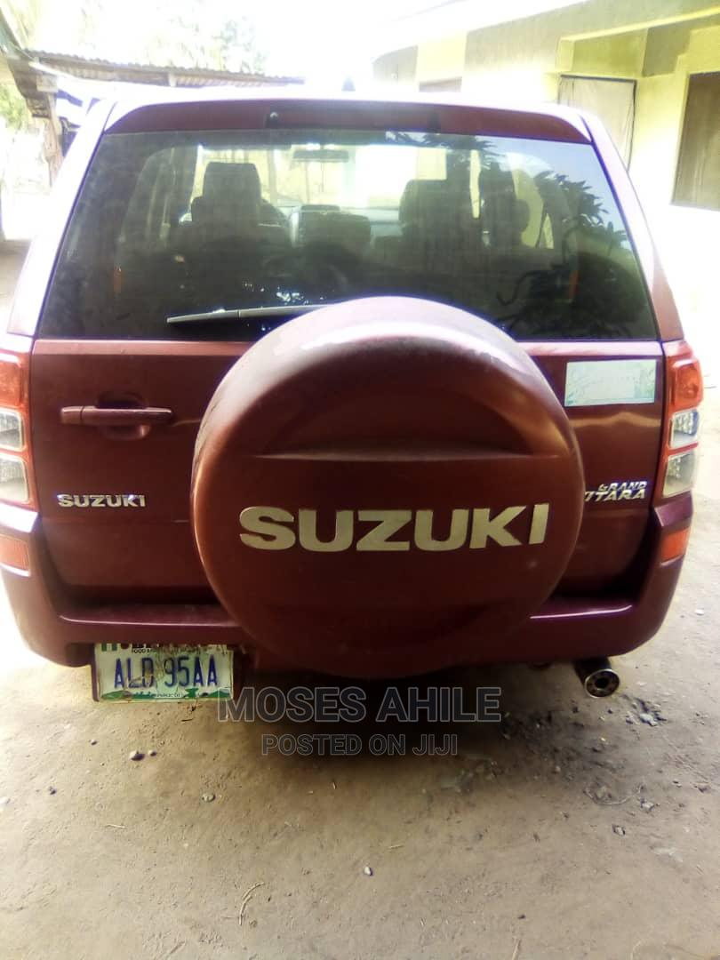 Archive: Suzuki Grand Vitara 2007 2.0 Red