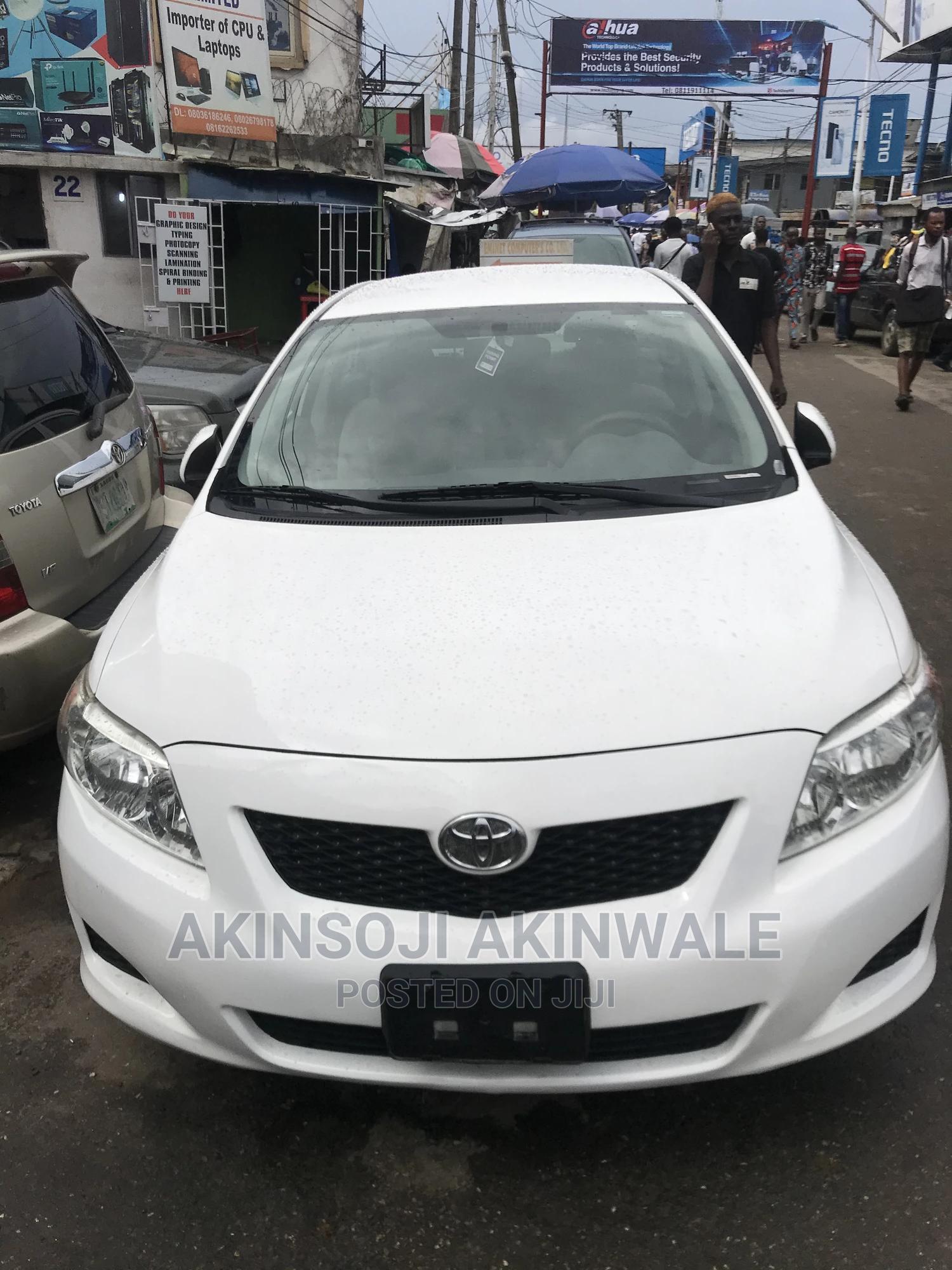 Toyota Corolla 2010 White