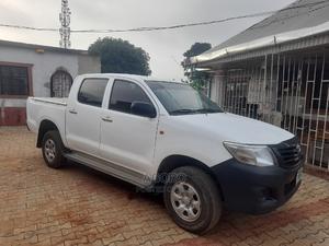Toyota Hilux 2012 2.7 VVT-i 4X4 SRX White | Cars for sale in Lagos State, Ikorodu