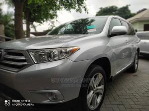 Toyota Highlander 2013 Limited 3.5L 2WD Silver | Cars for sale in Lagos State, Surulere