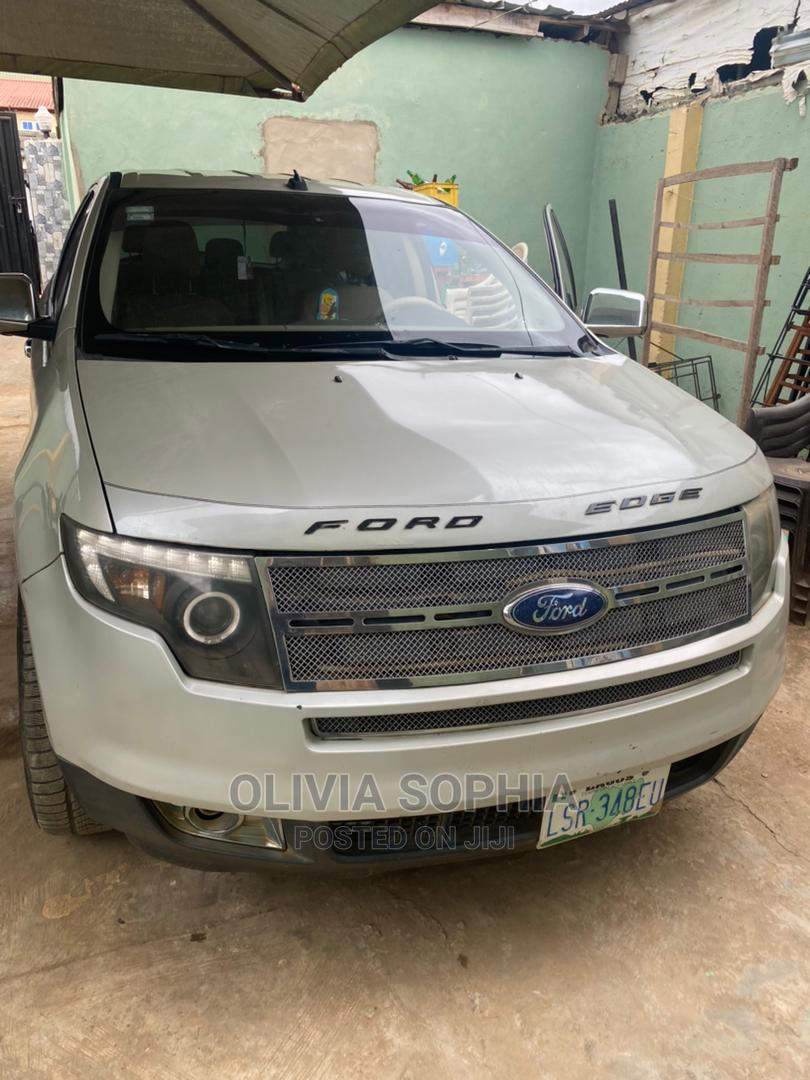 Archive: Ford Edge 2008 White