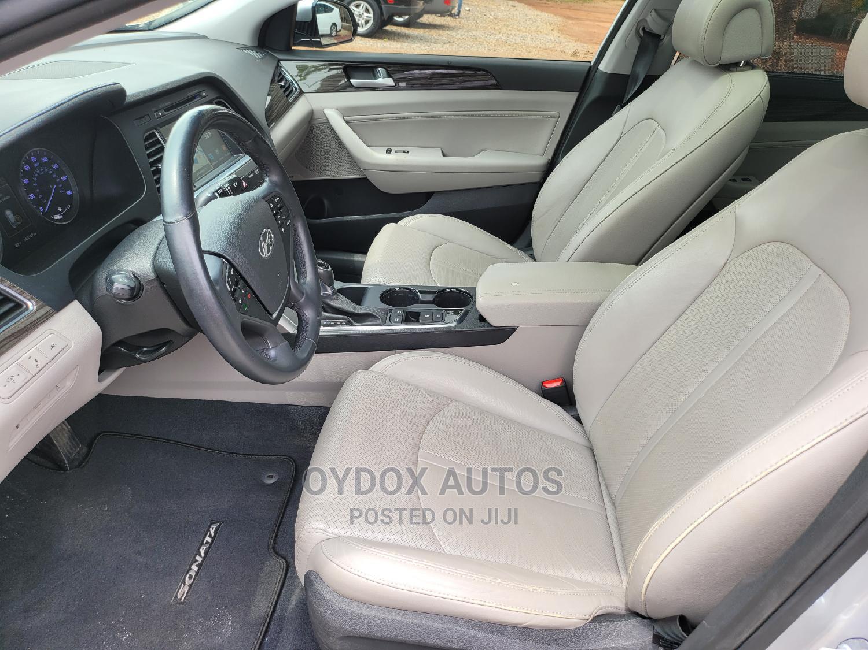 Archive: Hyundai Sonata 2016 Silver