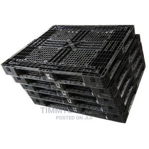 4 Way Black Heavy Duty Plastic Pallet, Capacity: 1000 Kg | Store Equipment for sale in Lagos State, Ikeja