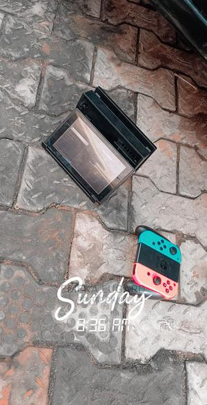 Neathly Used Nintendo Switch With MK11 Cartrage for Sale | Video Game Consoles for sale in Edo State, Benin City