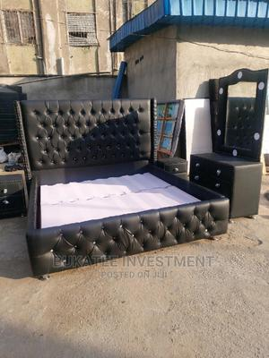 (6/6) Upholstery Bed With Light on Dressing Mirror | Furniture for sale in Lagos State, Ojo