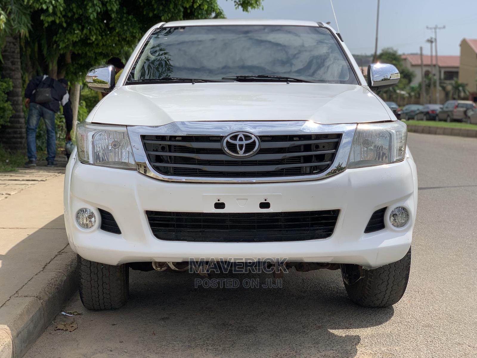 Toyota Hilux 2009 2.7 VVT-i 4X4 SRX White