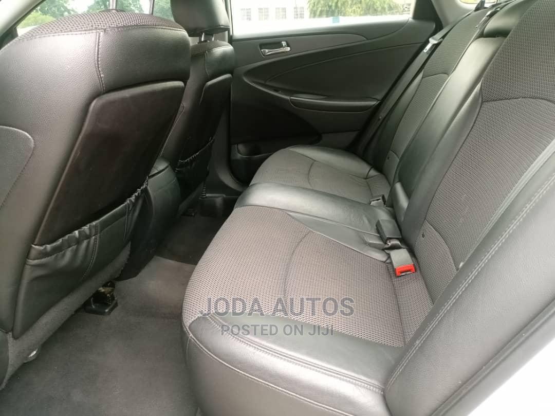 Archive: Hyundai Sonata 2010 White