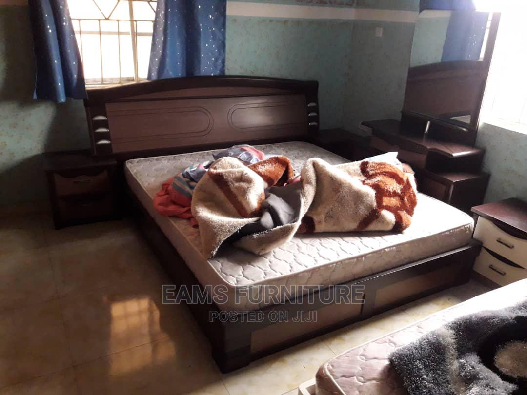 Archive: Executive Bed 6by6 With Two Side Drawer One Standing Mirror