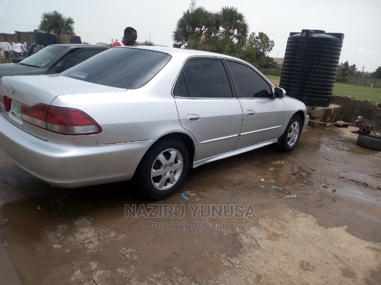 Archive: Honda Accord 2001 Silver
