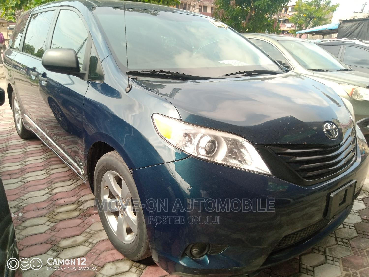 Toyota Sienna 2011 LE 7 Passenger Mobility Blue