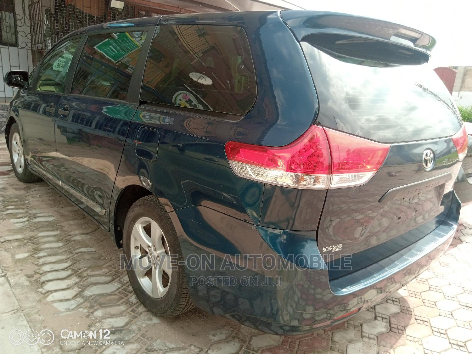 Toyota Sienna 2011 LE 7 Passenger Mobility Blue   Cars for sale in Amuwo-Odofin, Lagos State, Nigeria