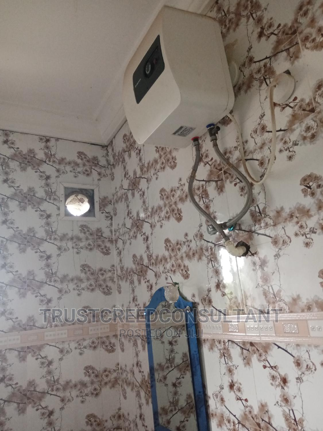 Archive: 2bdrm Block of Flats in Ibadan for Rent