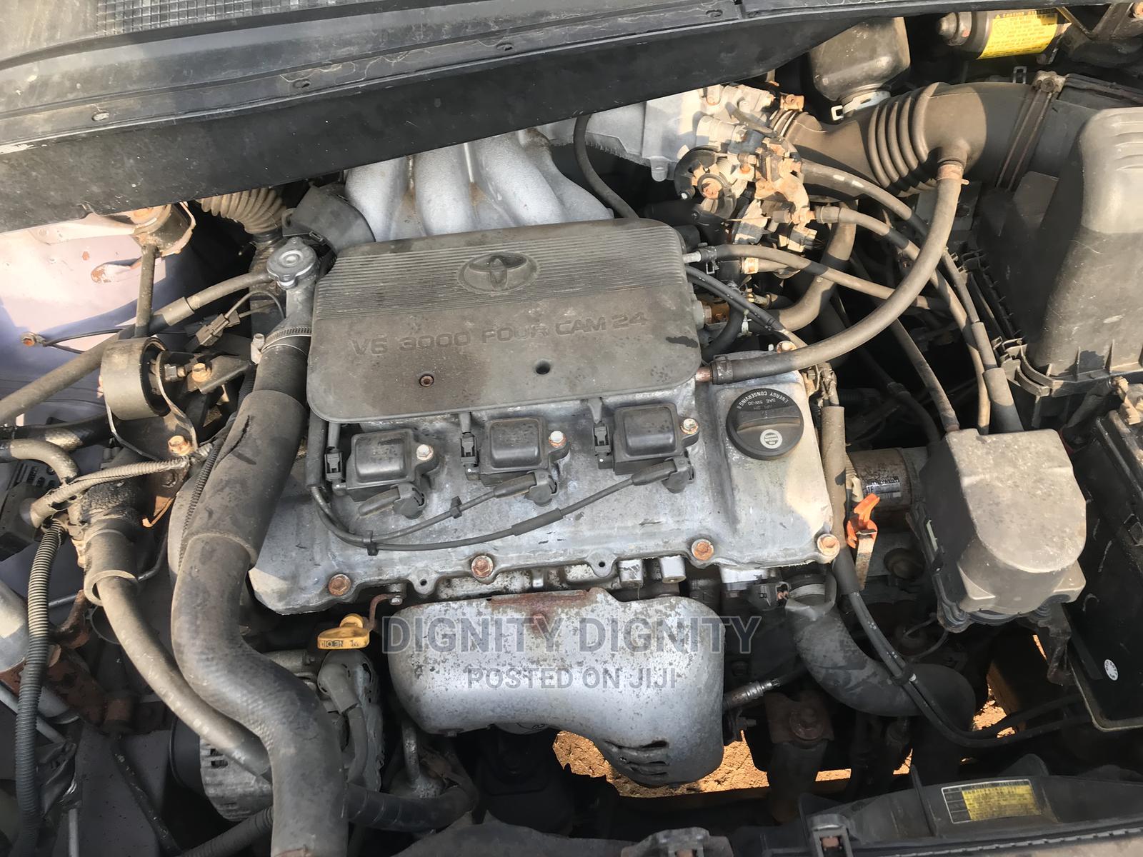 Toyota Sienna 2000 LE & 1 Hatch   Cars for sale in Ikorodu, Lagos State, Nigeria