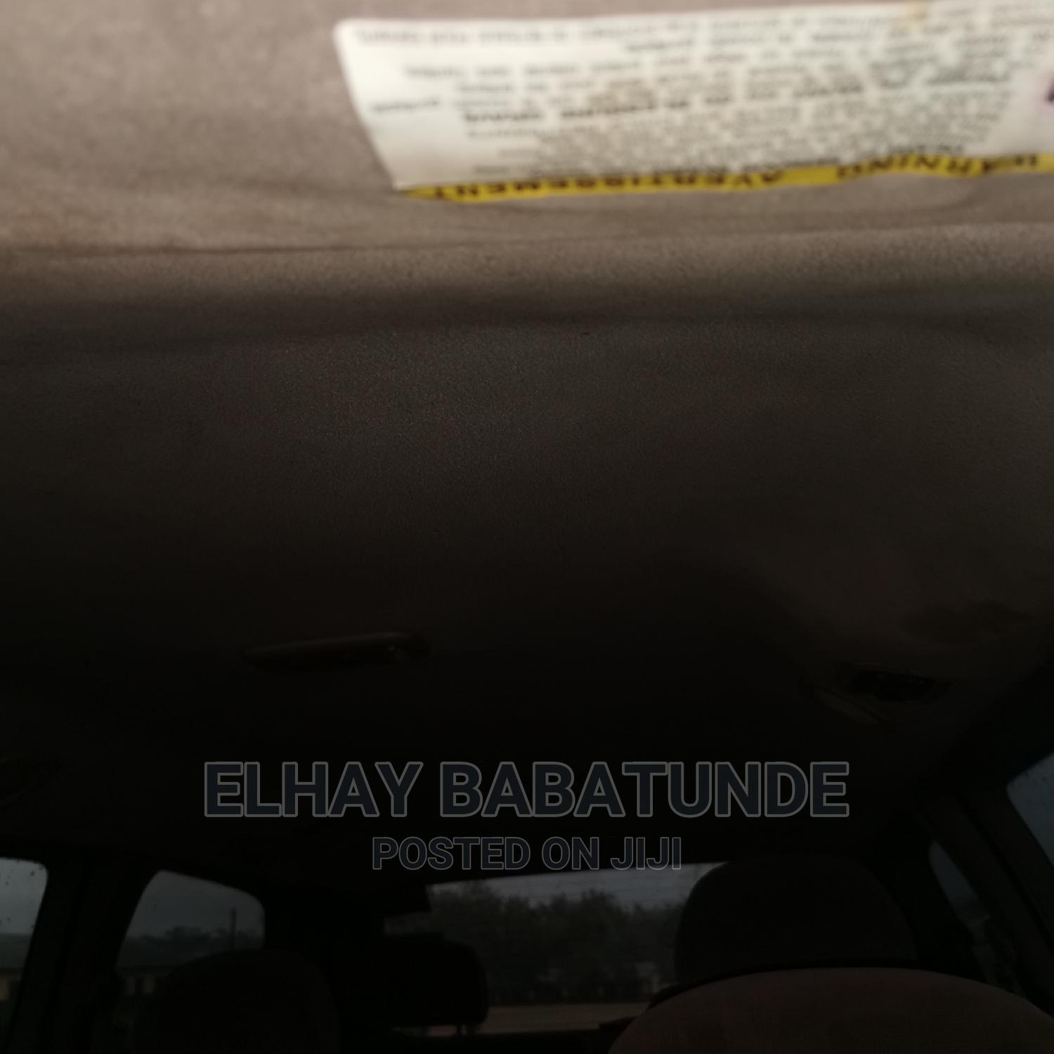 Archive: Toyota Sienna 2001 CE Gold