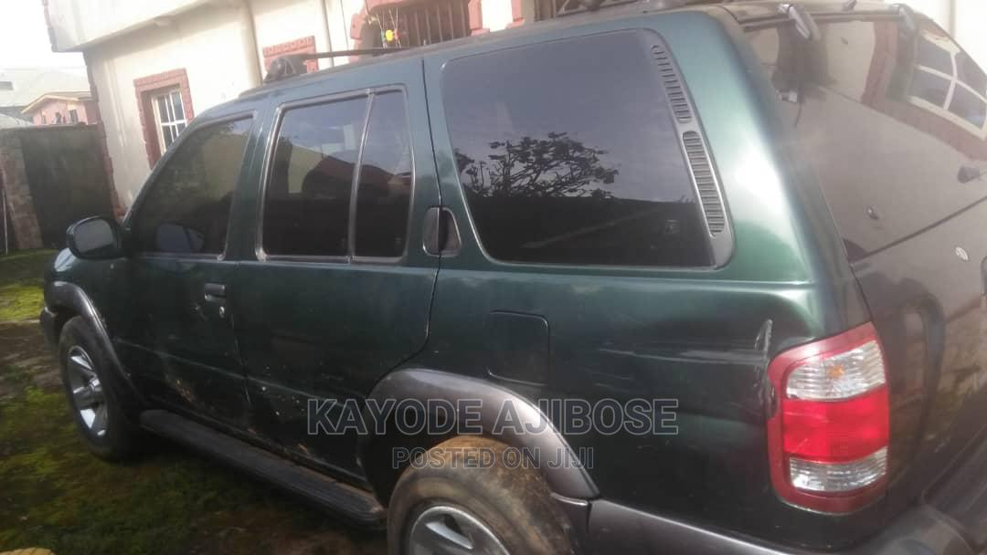 Archive: Nissan Pathfinder 2002 LE AWD SUV (3.5L 6cyl 4A) Green