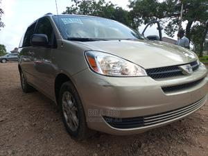 Toyota Sienna 2005 Gold | Cars for sale in Abuja (FCT) State, Lokogoma