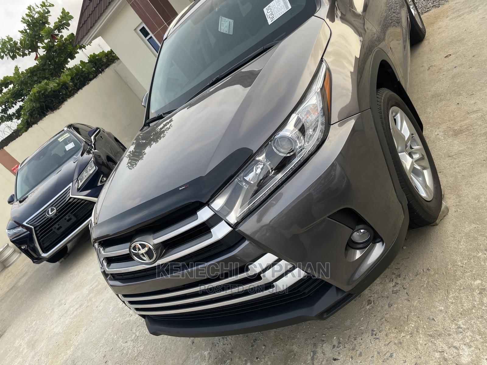 Toyota Highlander 2015 Gray   Cars for sale in Amuwo-Odofin, Lagos State, Nigeria