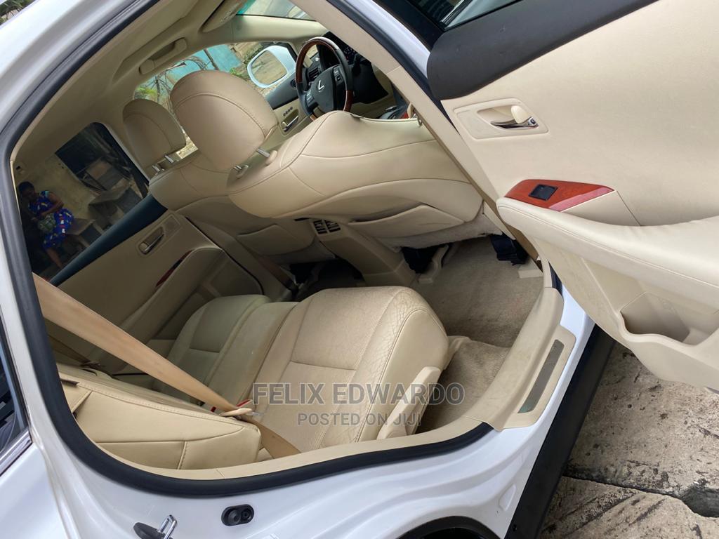 Archive: Lexus RX 2011 White
