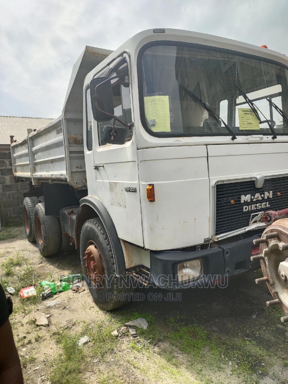 Tokunbo Man Diesel Tipper 10tyres | Trucks & Trailers for sale in Apapa, Lagos State, Nigeria
