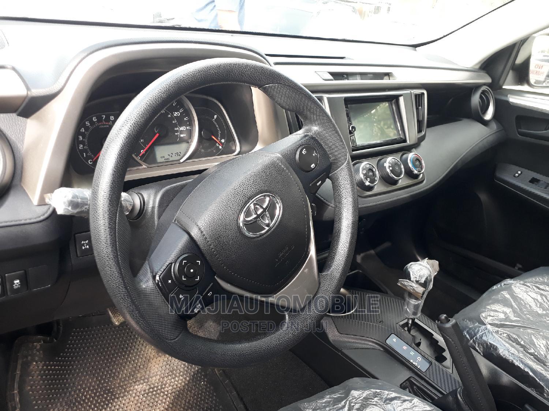 Archive: Toyota Corolla 2017 Silver