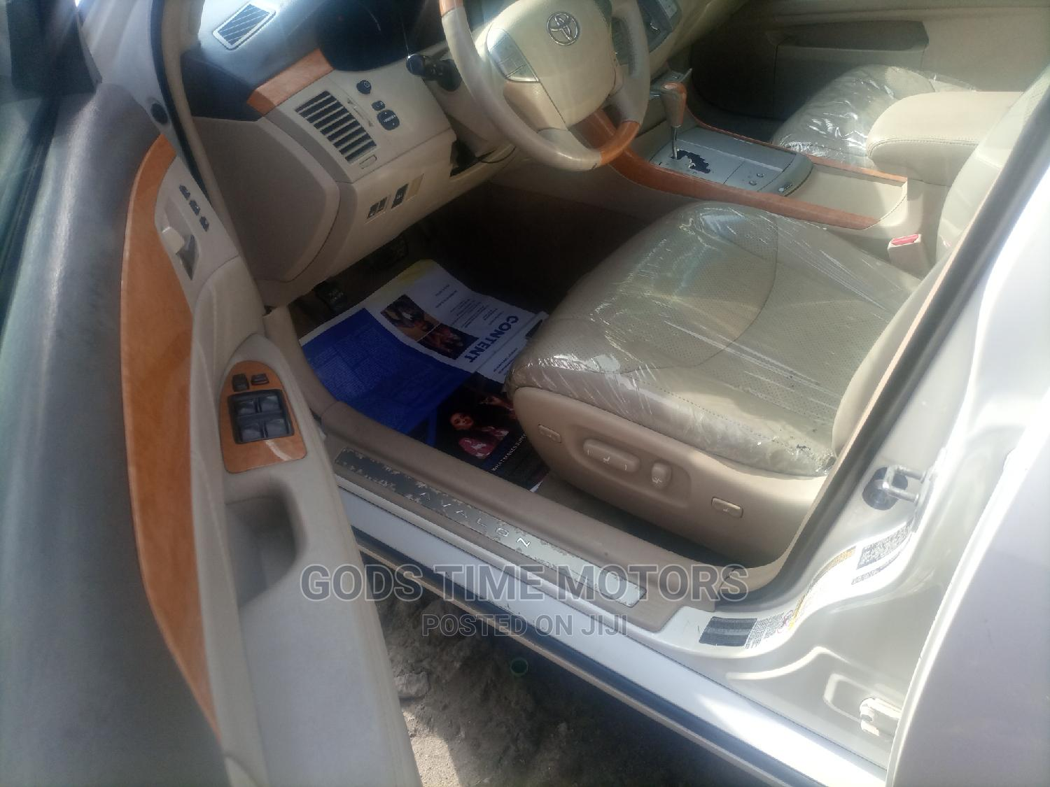 Toyota Avalon 2007 Limited White   Cars for sale in Apapa, Lagos State, Nigeria
