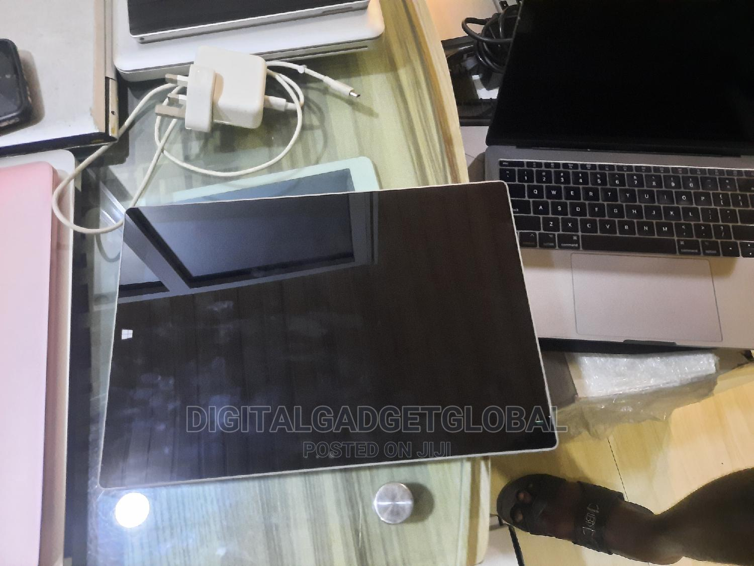 Laptop Microsoft Surface Pro 4 4GB Intel Core I5 SSD 256GB   Laptops & Computers for sale in Ikeja, Lagos State, Nigeria