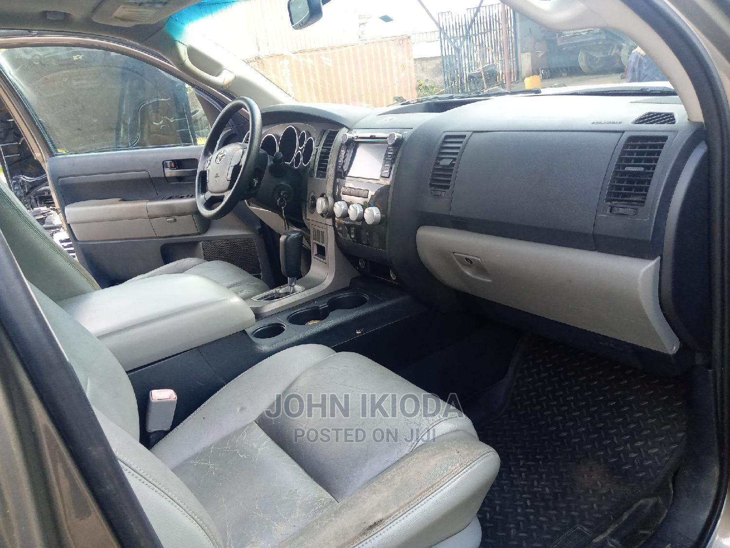 Toyota Tundra 2012 Double Cab 4x4 Limited Brown | Cars for sale in Central Business District, Abuja (FCT) State, Nigeria