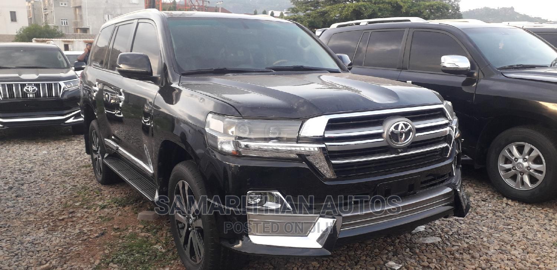 Toyota Land Cruiser 2020 5.7 V8 VXR Black