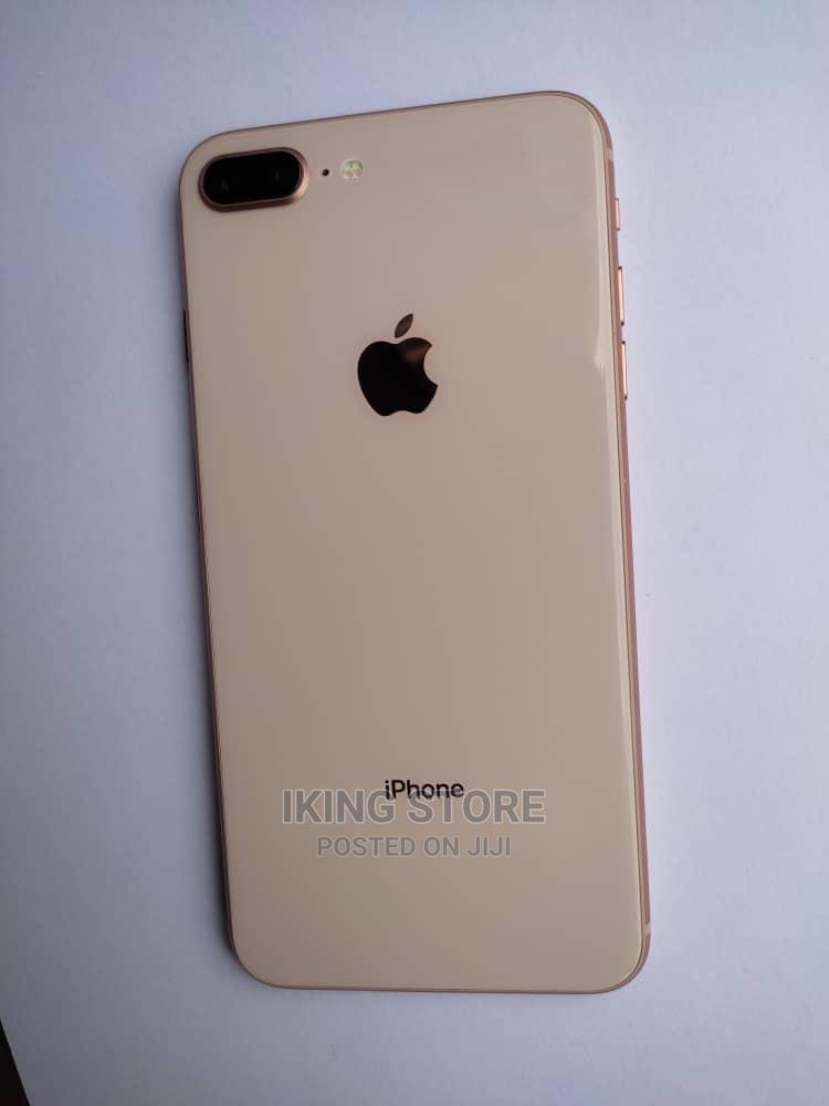 Archive: Apple iPhone 8 Plus 64 GB Gold