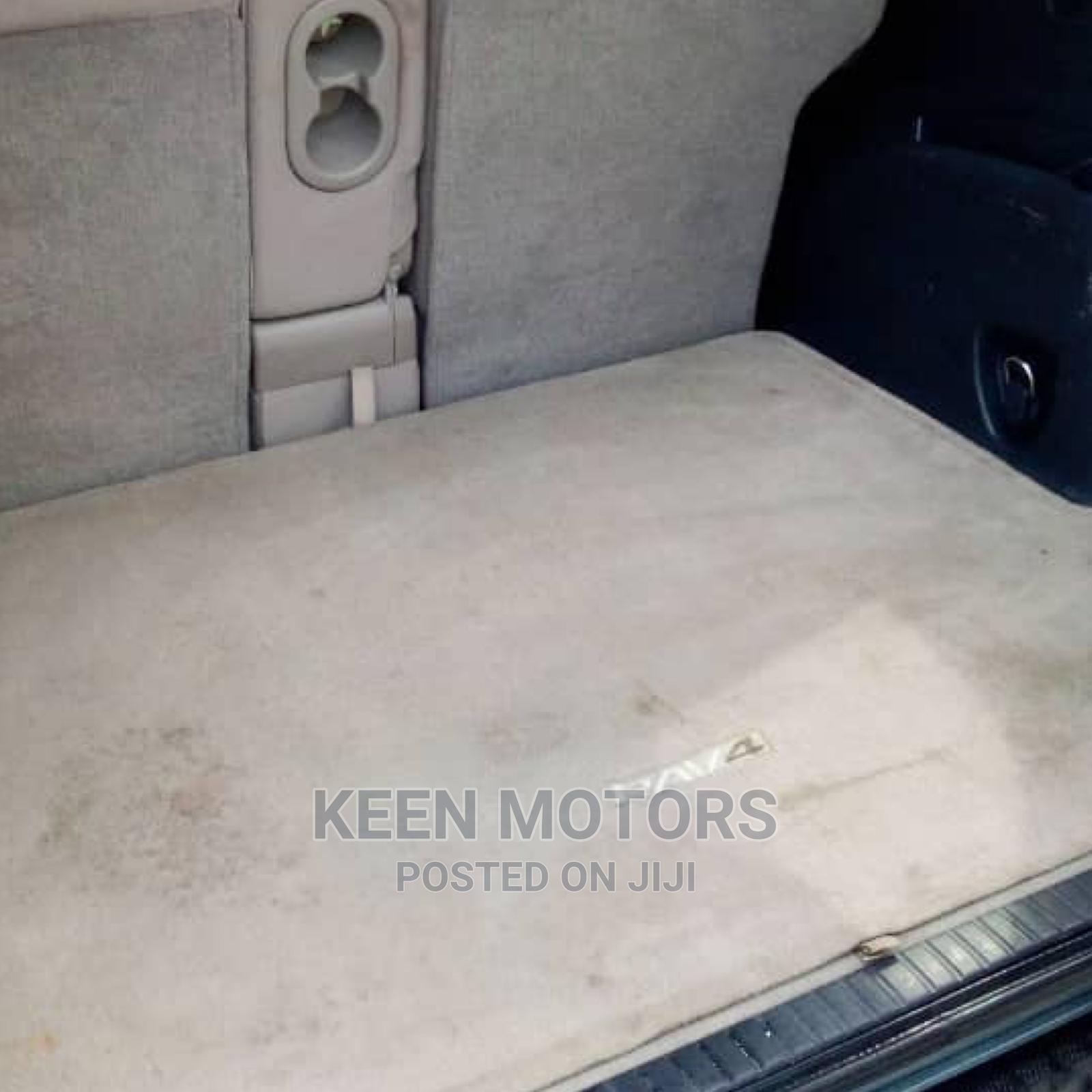 Archive: Toyota RAV4 2007 Green